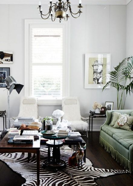 fur rug_living room interior_learning to love white