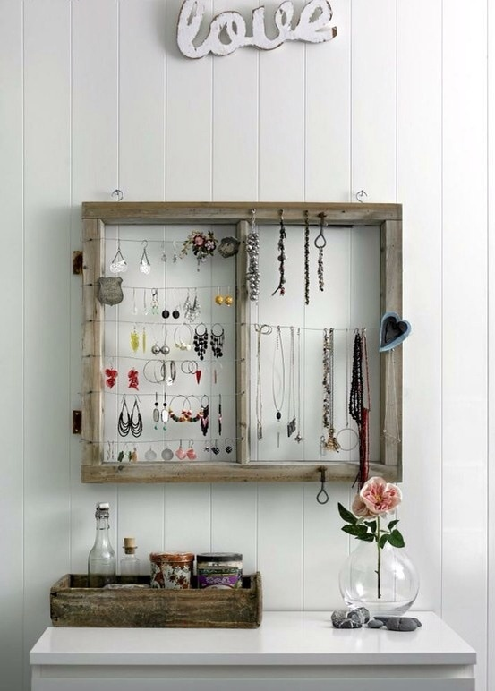 window DIY Jewelery storage_learning to love white_DIY jewelery holder_interior design blog